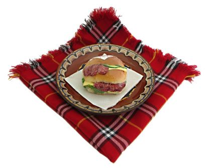 sandvich-s-lukanka-kashkaval-krugla-pitka