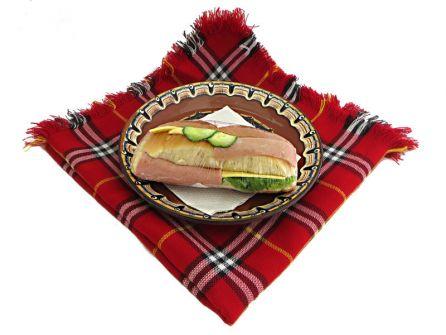 sandvich-s-shunka-kashkaval-produlgovata-pitka
